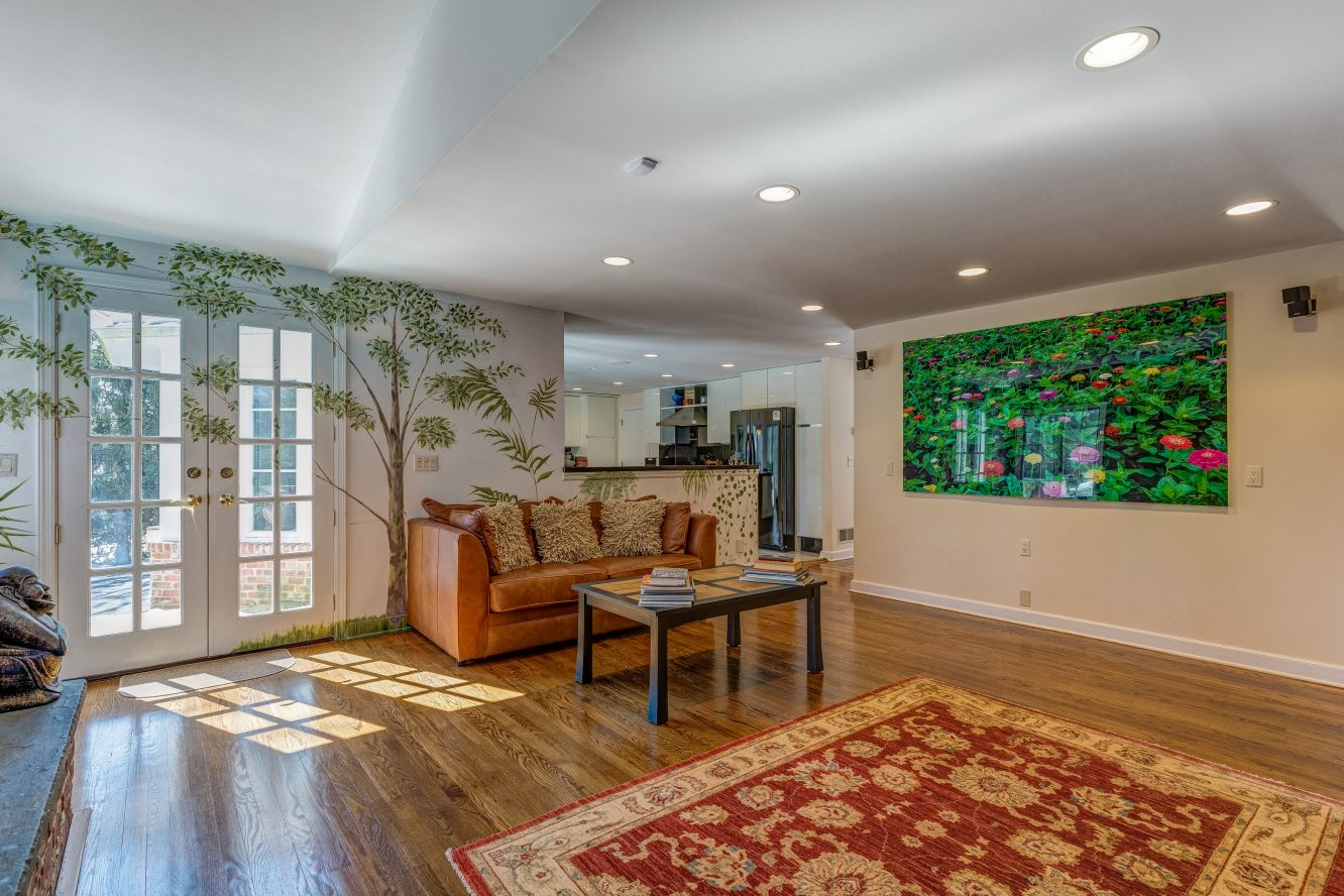 6 – 44 Slope Drive – Family Room