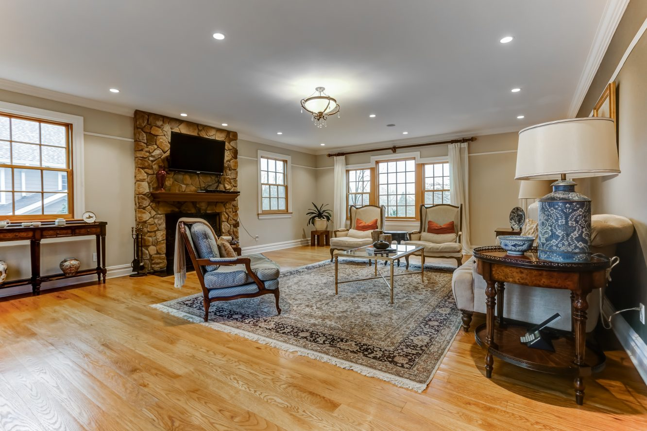 9 – 236 Long Hill Drive – Family Room
