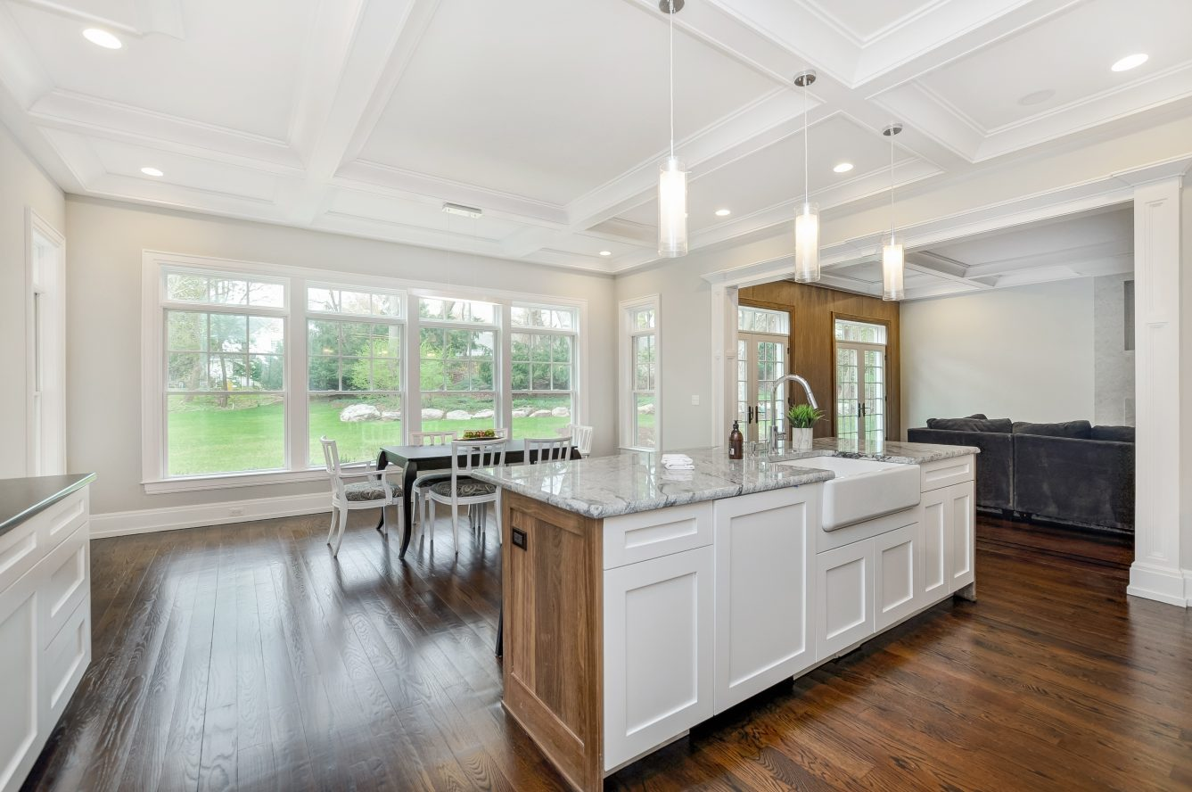 10 – 28 Rolling Hill Drive – Gourmet Eat-in Kitchen