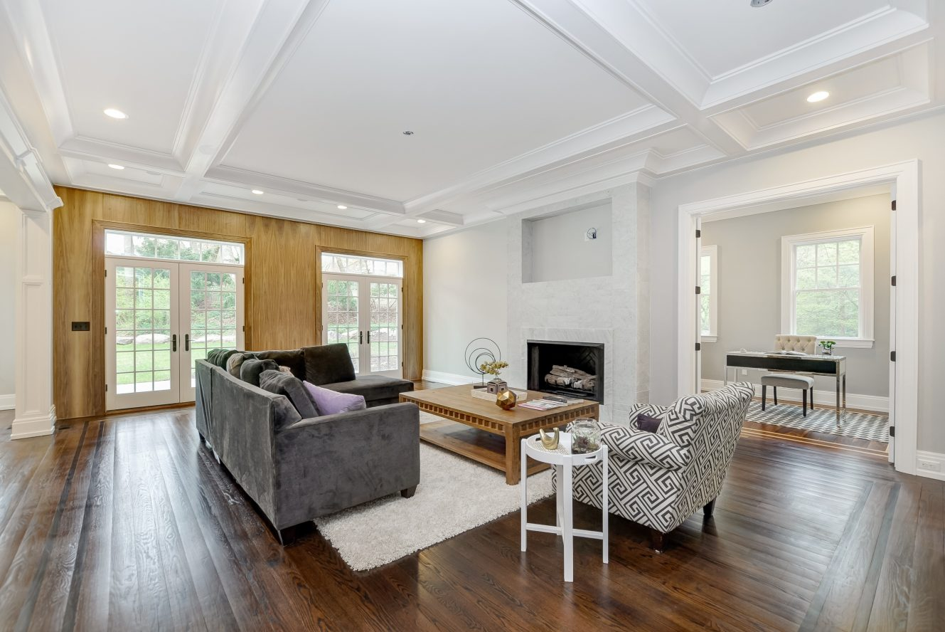 11 – 28 Rolling Hill Drive – Family Room