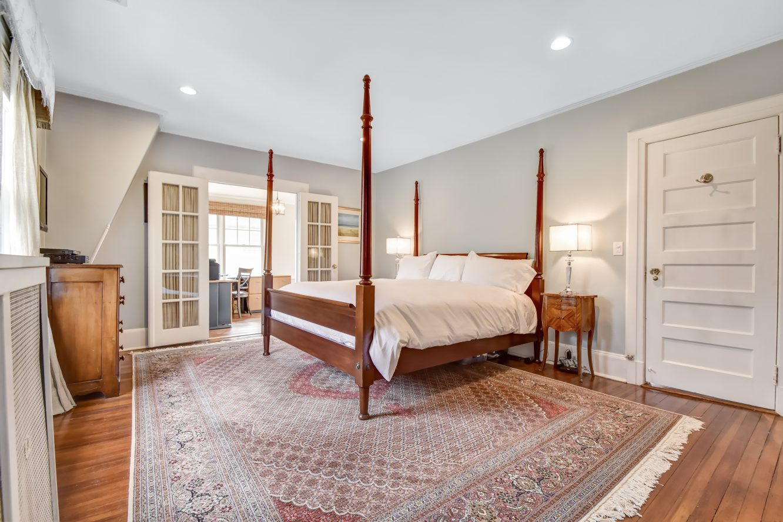 11 – 67 Oak Ridge Avenue – Master Bedroom