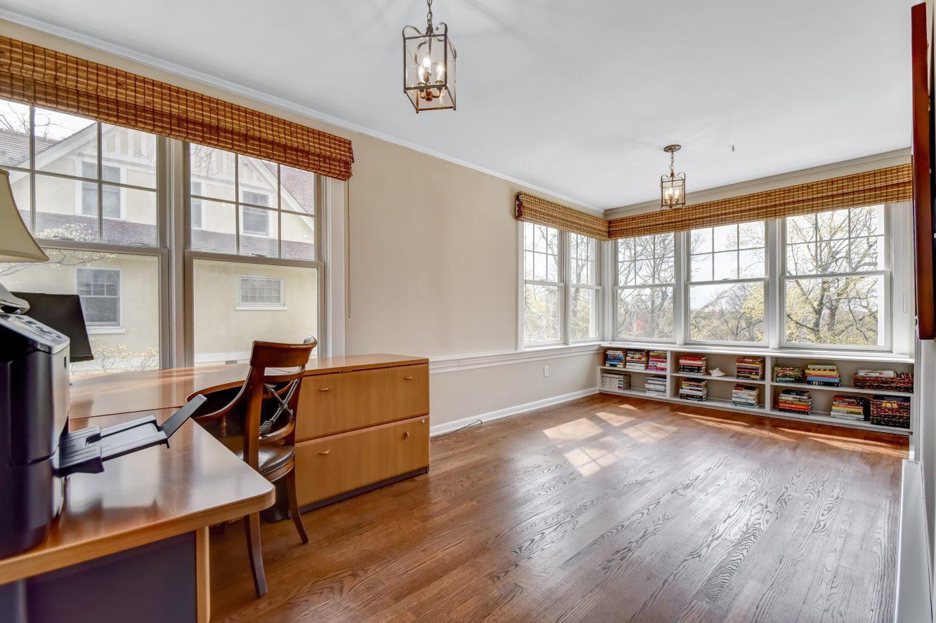 13 – 67 Oak Ridge Avenue – Master Office