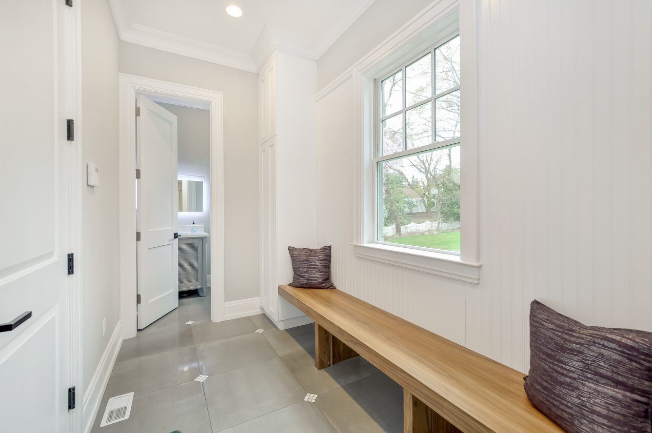 14 – 28 Rolling Hill Drive – Mudroom