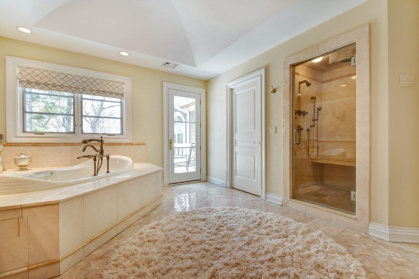 14 – 296 Hartshorn Drive – Spa-like Master Bath