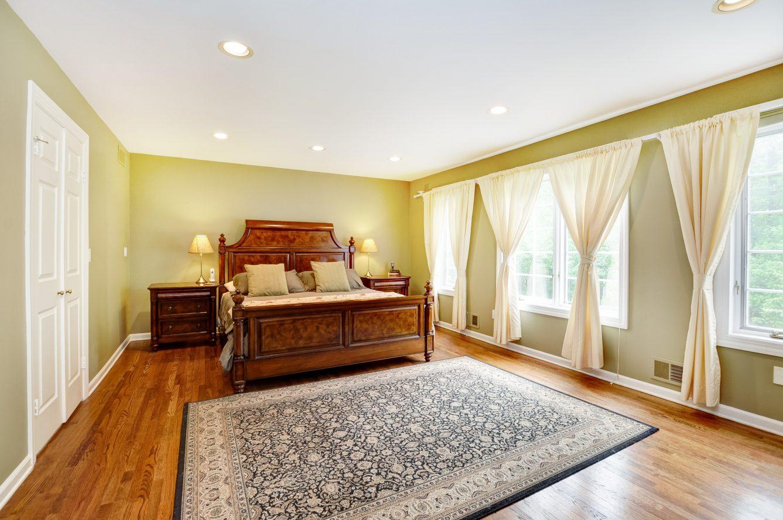 14 – 4 Harvey Drive – Master Bedroom