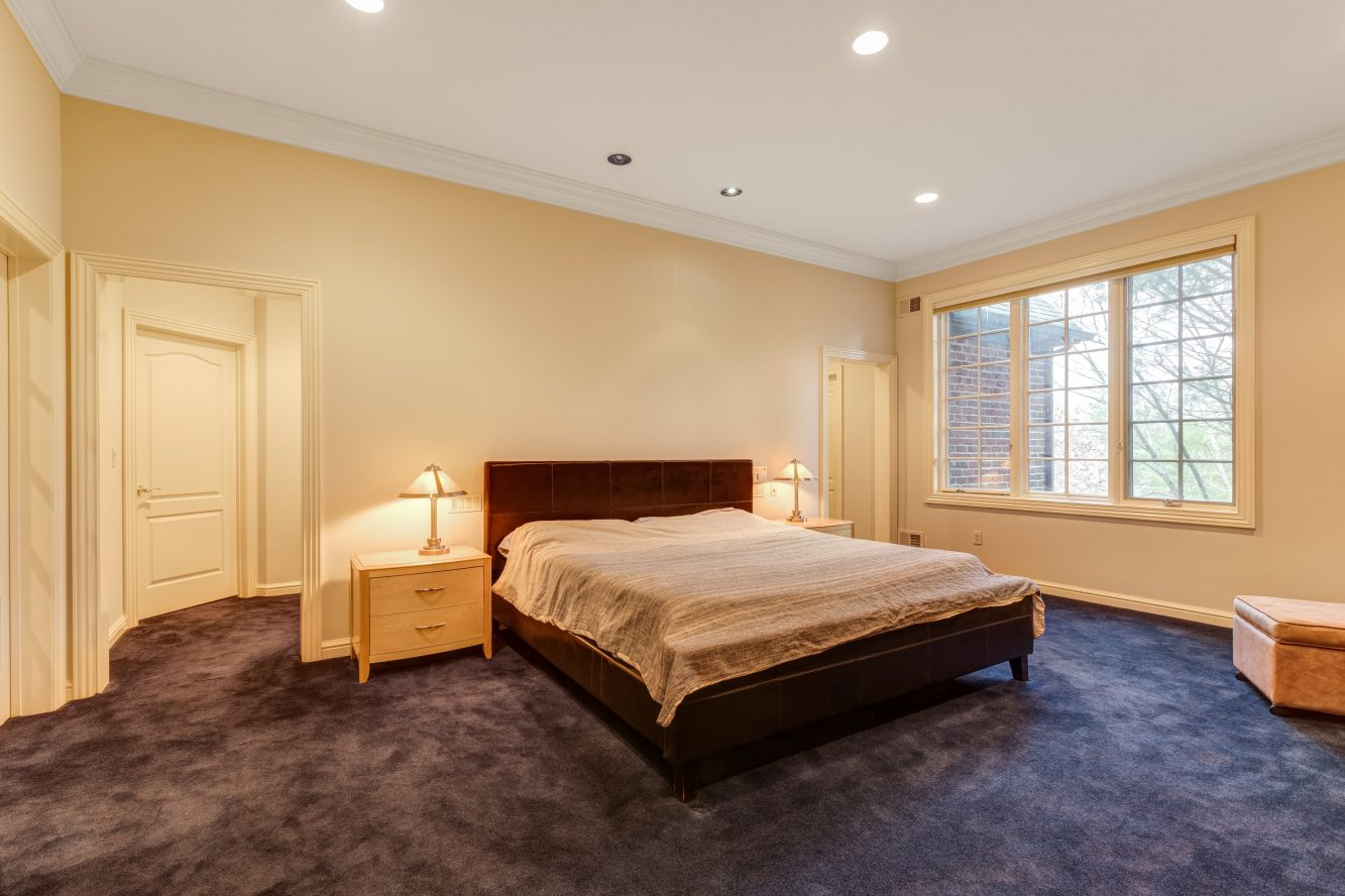 14 – 83 Chestnut Street – Master Bedroom