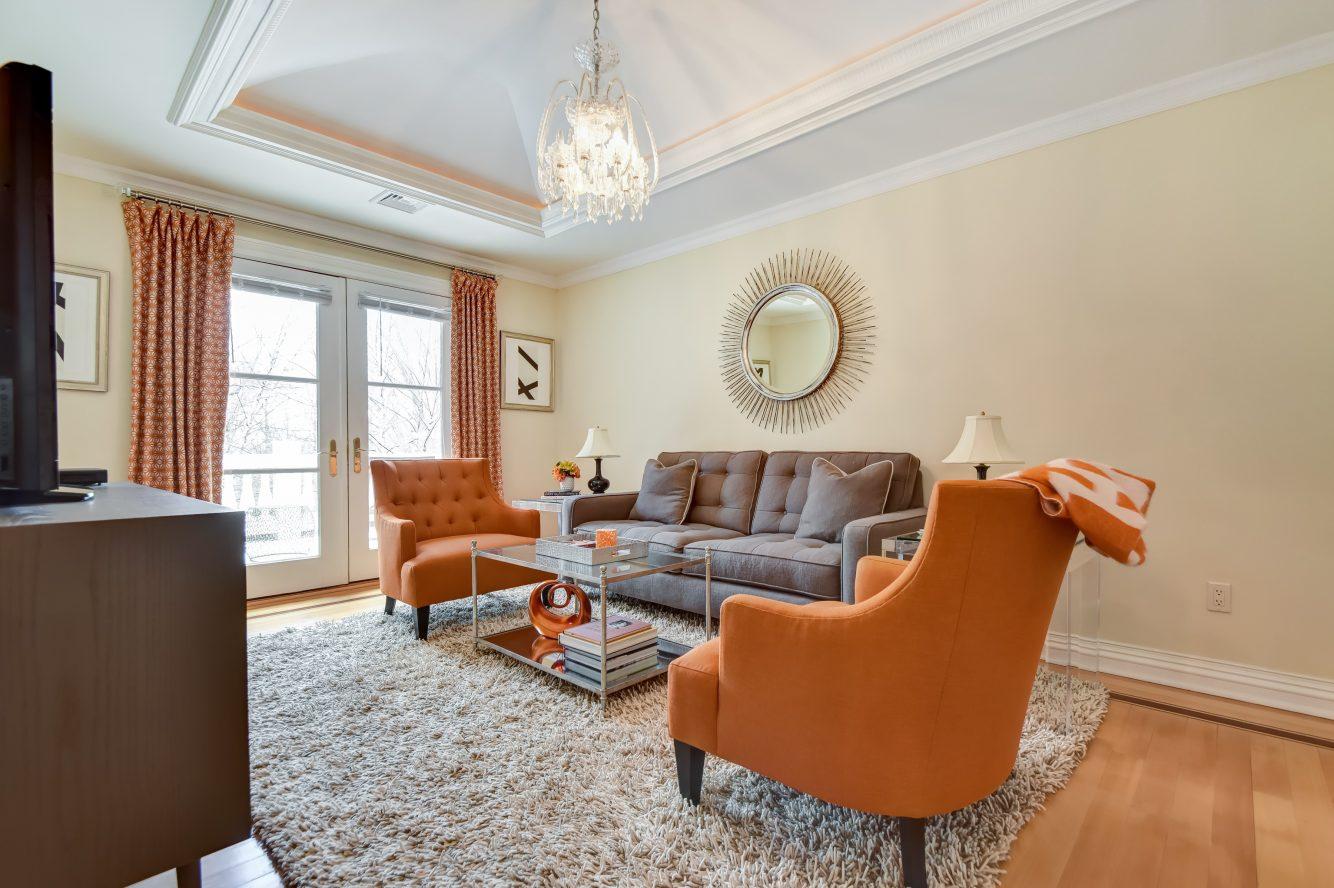 15 – 296 Hartshorn Drive – Master Sitting Room
