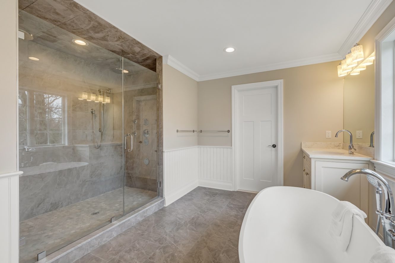 19 – 93 Slope Drive – Spa-like Master Bath