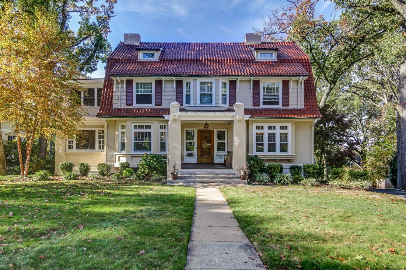 2 – 67 Oak Ridge Avenue – Front