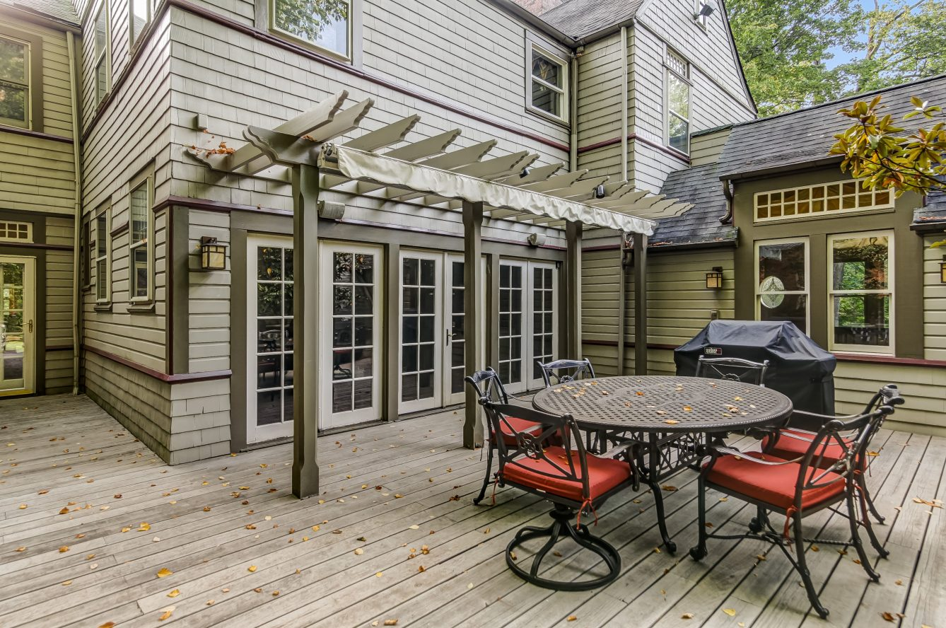 21 – 25 Forest Drive – Incredible Deck