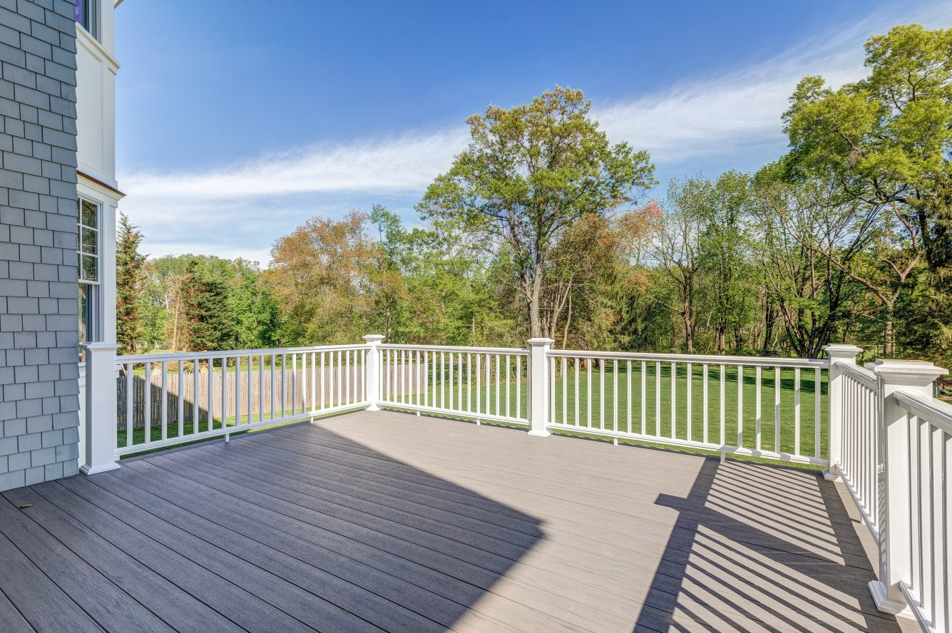 23 – 320 White Oak Ridge Road – Incredible Deck