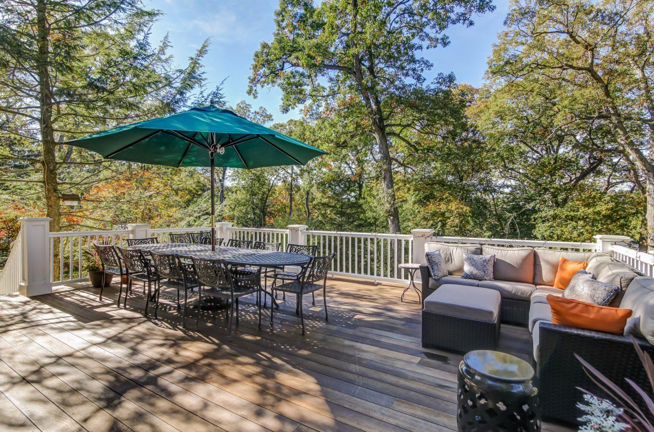 23 – 67 Oak Ridge Avenue – Deck