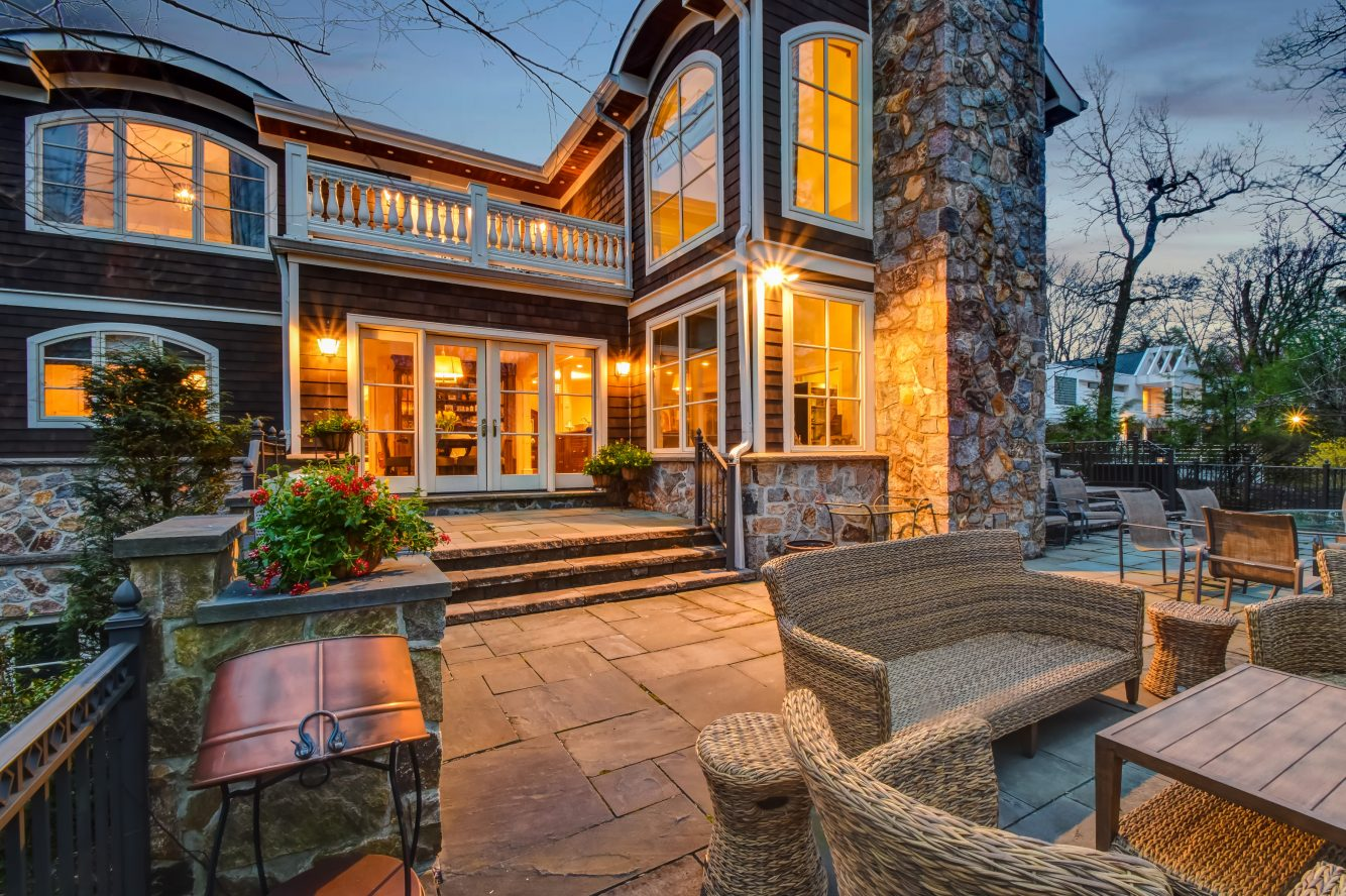 24 – 296 Hartshorn Drive – Incredible Backyard