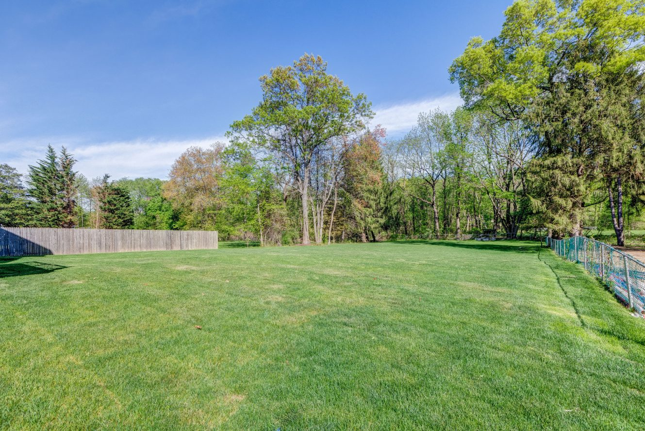 24 – 320 White Oak Ridge Road – Backyard