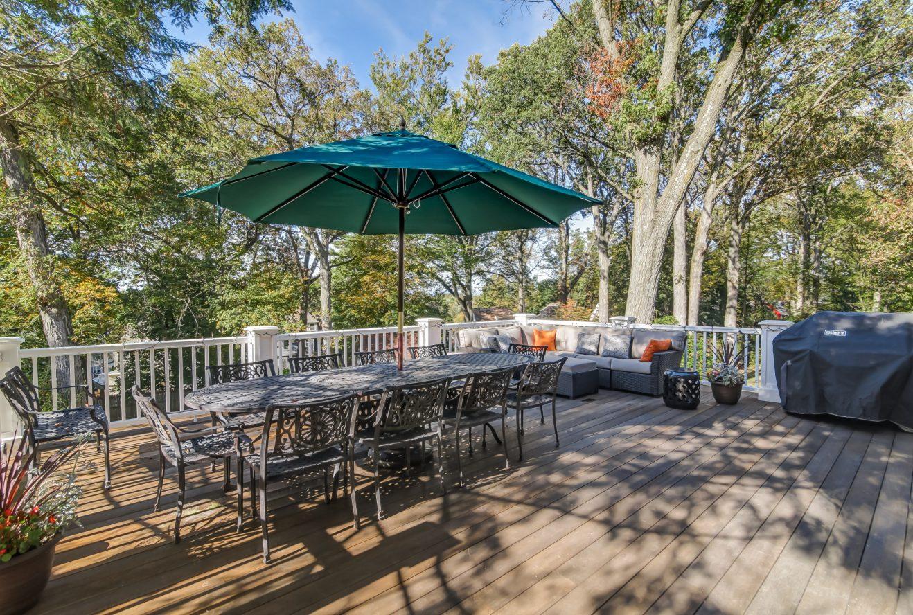 24 – 67 Oak Ridge Avenue – Deck