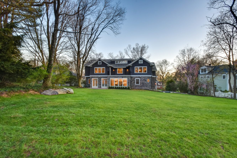 25 – 28 Rolling Hill Drive – Gorgeous Backyard