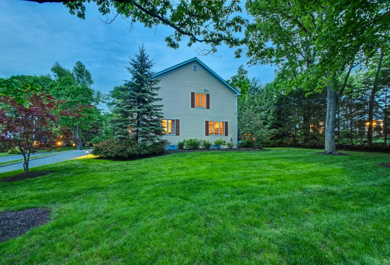 25 – 4 Harvey Drive – Beautiful Property