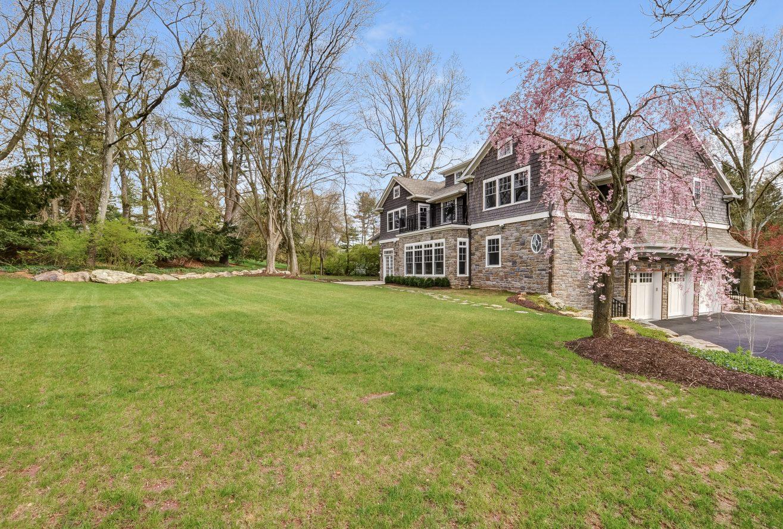 3 – 28 Rolling Hill Drive – Gorgeous Backyard