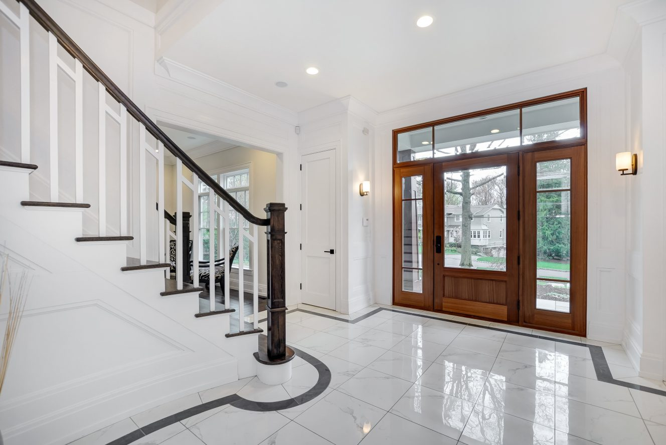 4 – 28 Rolling Hill Drive – Entrance Hall