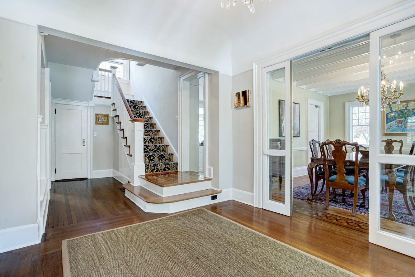 4 – 67 Oak Ridge Avenue – Entrance Hall