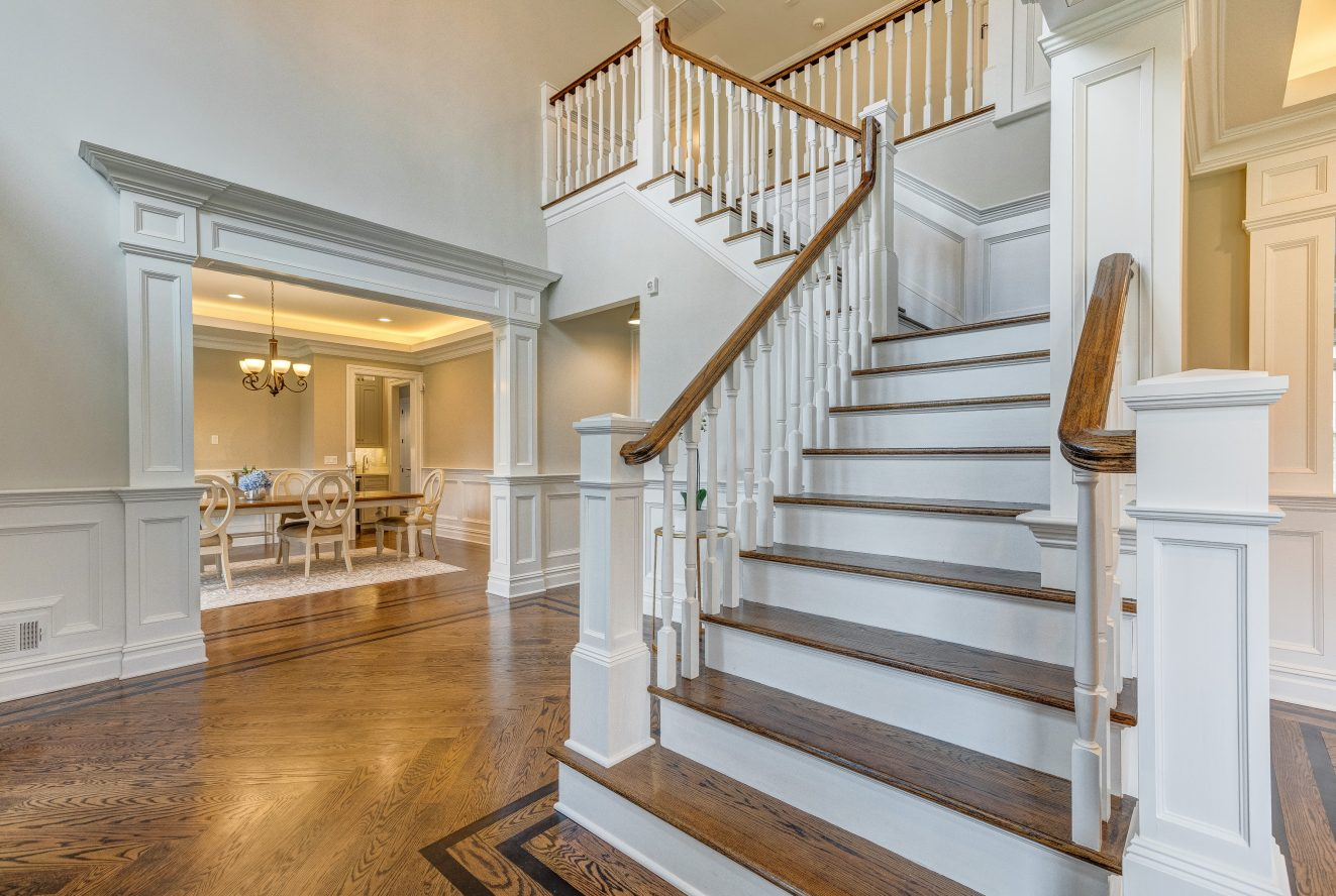 4 – 93 Slope Drive – Grand 2-Story Entrance Hall