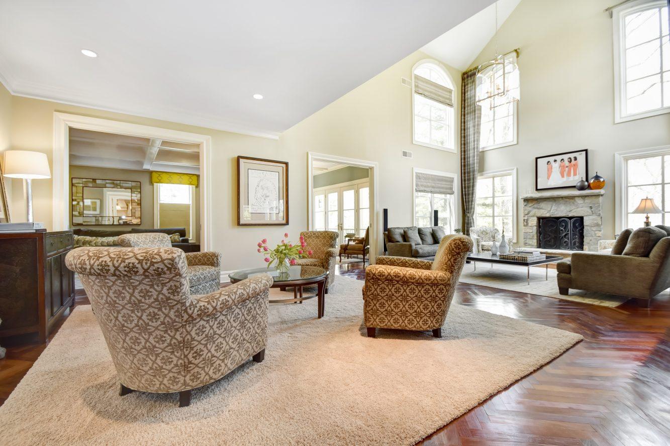 5 – 296 Hartshorn Drive – Family Room