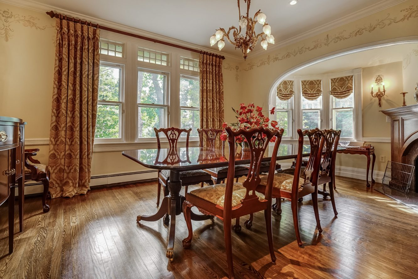 9 – 25 Forest Drive – Dining Room