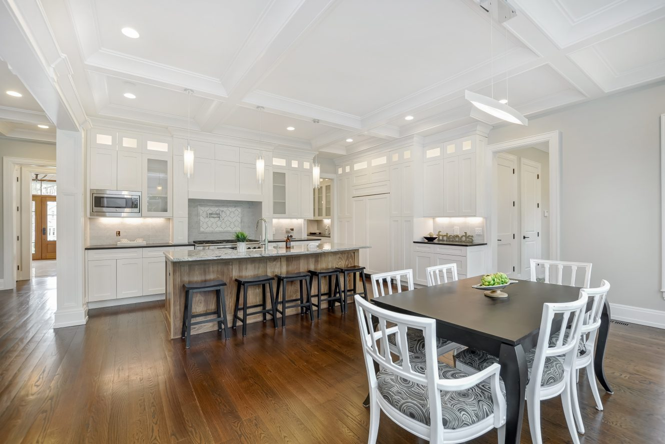 9 – 28 Rolling Hill Drive – Gourmet Eat-in Kitchen