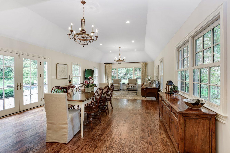 12 – 15 Maryknoll Drive – Spacious Family Room