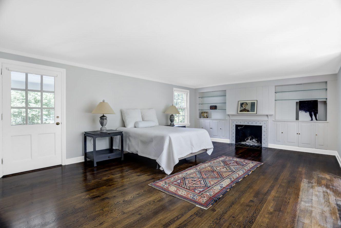12 – 17 Minnisink Road – 1st Floor Master Bedroom