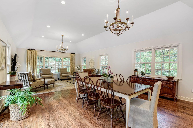 13 – 15 Maryknoll Drive – Spacious Family Room