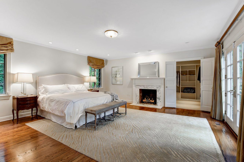 15 – 15 Maryknoll Drive – Master Bedroom