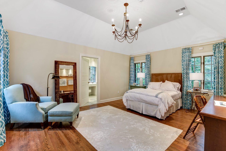 18 – 15 Maryknoll Drive – Bedroom 2