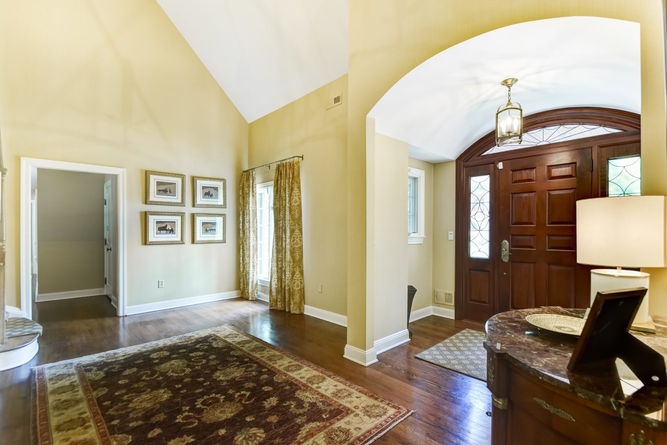 3 – 15 Maryknoll Drive – Grand Two-Story Entrance Hall