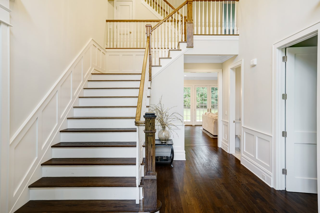 3 – 18 Dale Drive – Grand 2-Story Entrance Hall