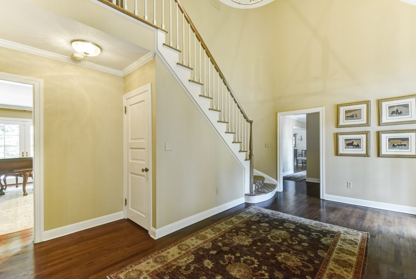 4 – 15 Maryknoll Drive – Grand Two-Story Entrance Hall