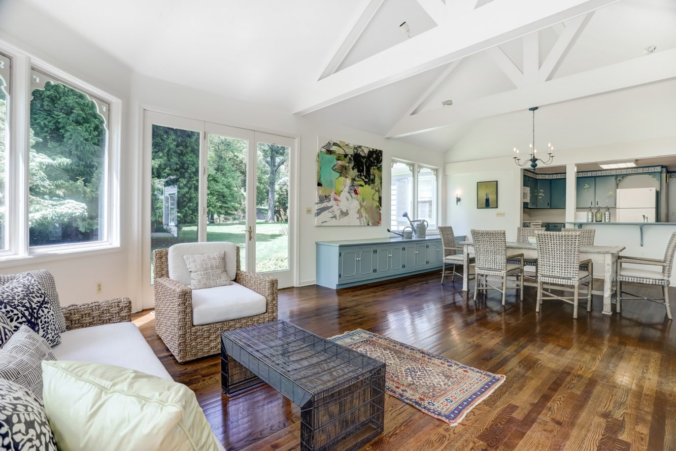 6 – 17 Minnisink Road – Incredible Great Room with high ceilings
