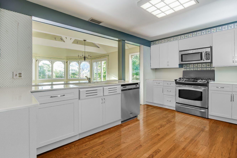7 – 17 Minnisink Road – Beautiful Kitchen