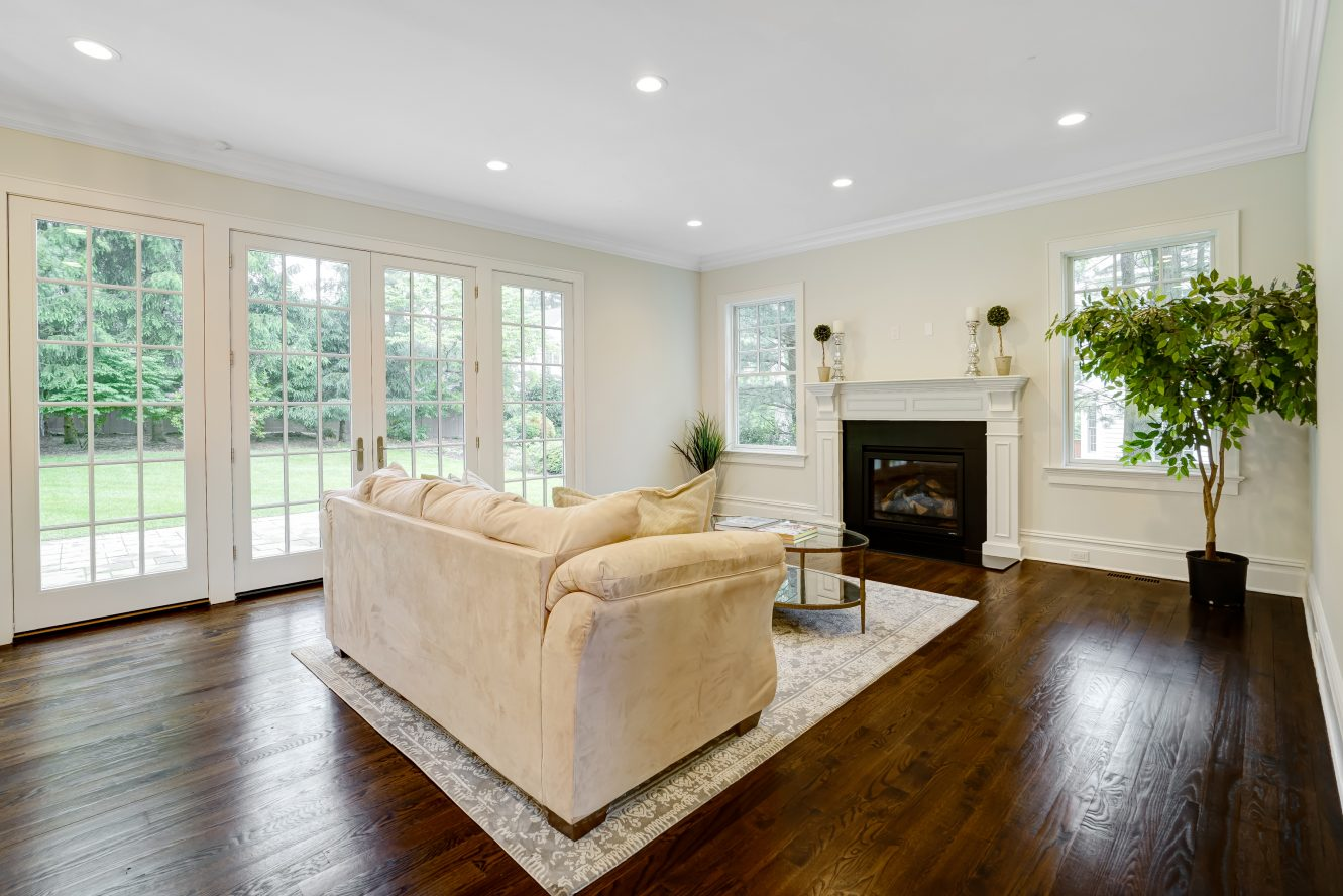 8 – 18 Dale Drive – Family Room