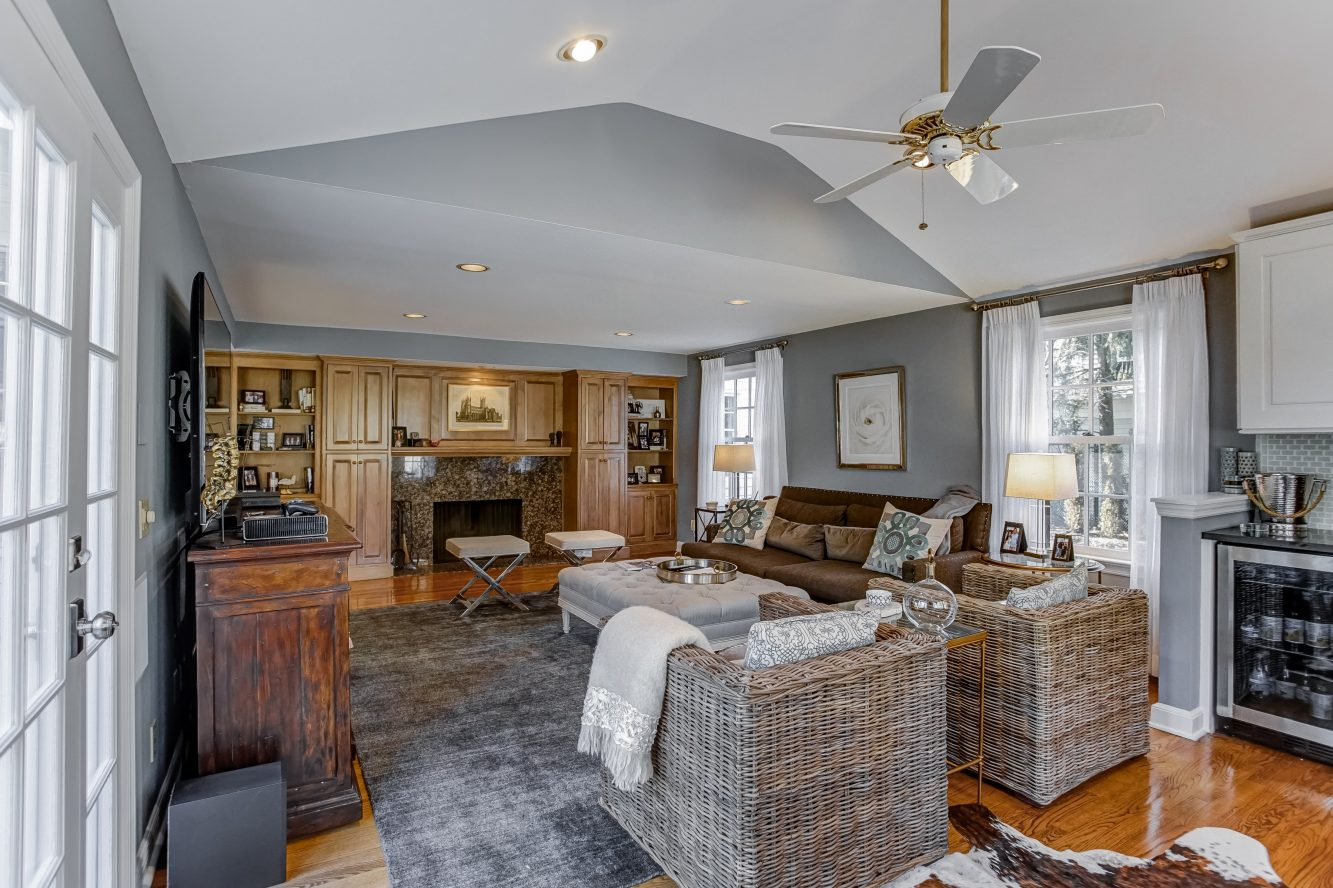 9 – 25 Joanna Way – Family Room