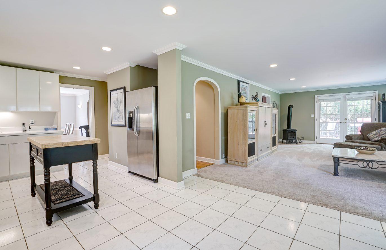 10 – 41 Hilltop Road – Great Open Floor Plan