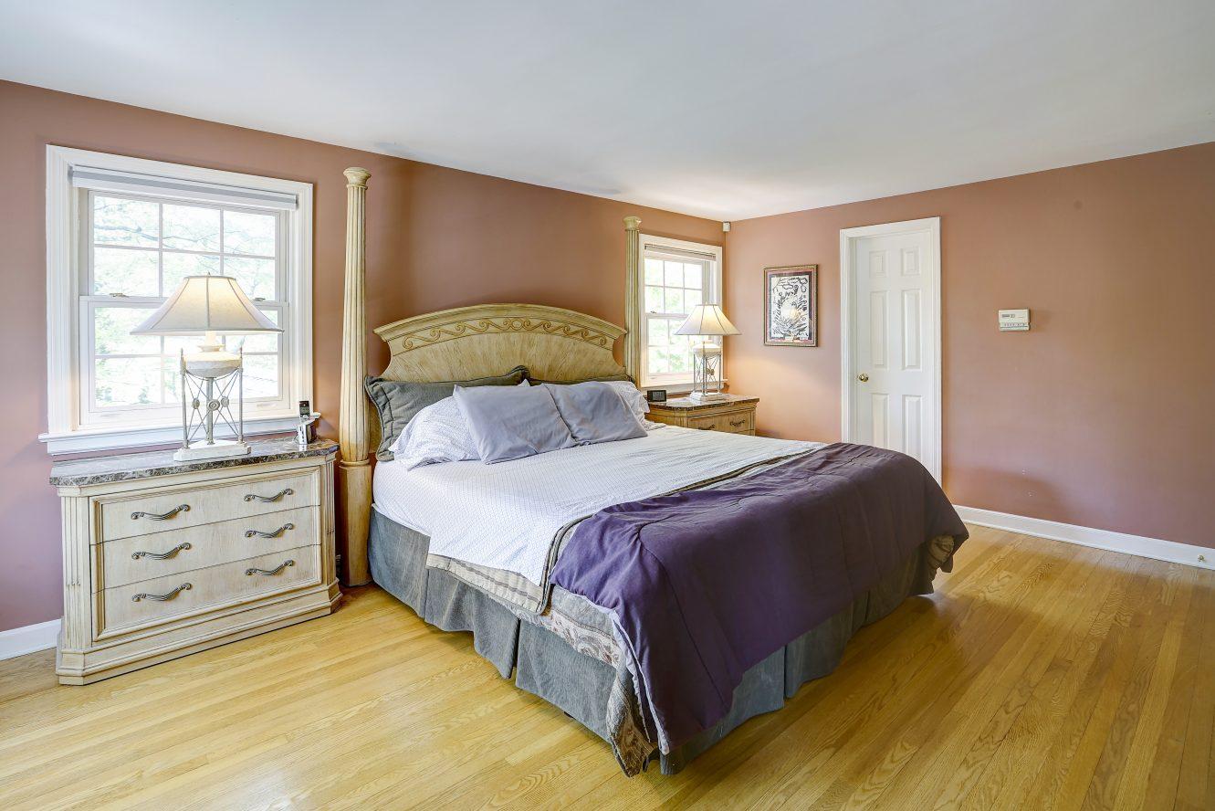 15 – 41 Hilltop Road – Master Bedroom