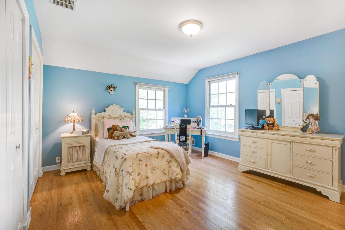 17 – 41 Hilltop Road – Bedroom 2