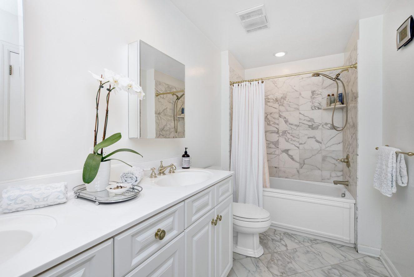 13 – 46 Slayton Drive – Master Bath
