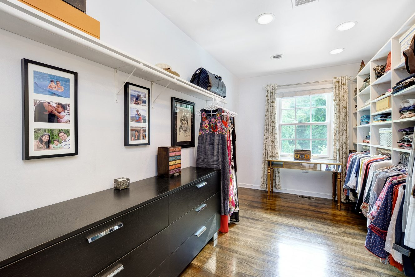 14 – 46 Slayton Drive – Master Walk-in Closet