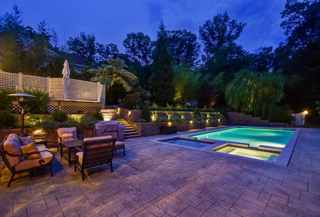 25 – 46 Slayton Drive – Stunning Backyard & Pool