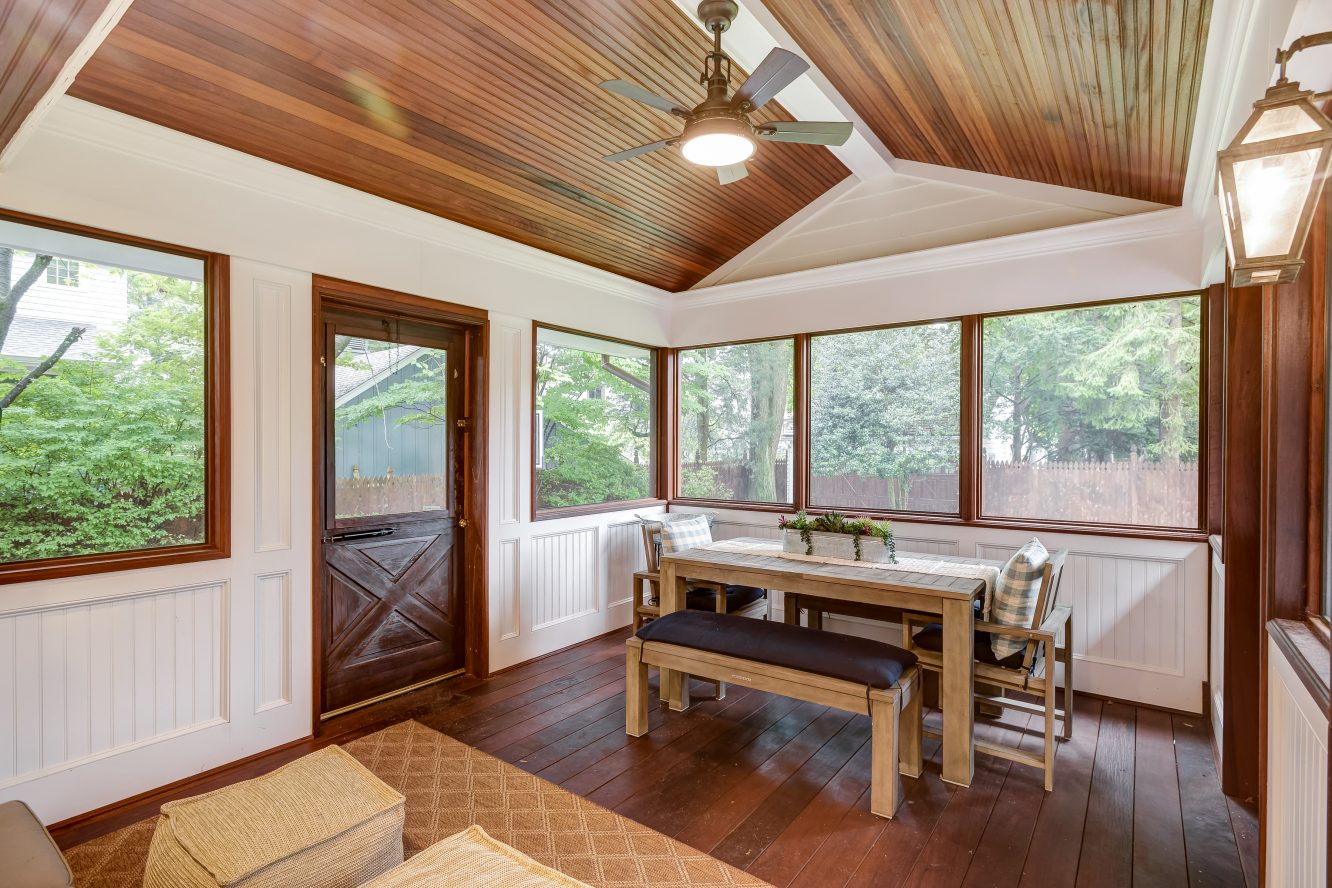 11 – 73 Knollwood Road – New Screened-In Porch