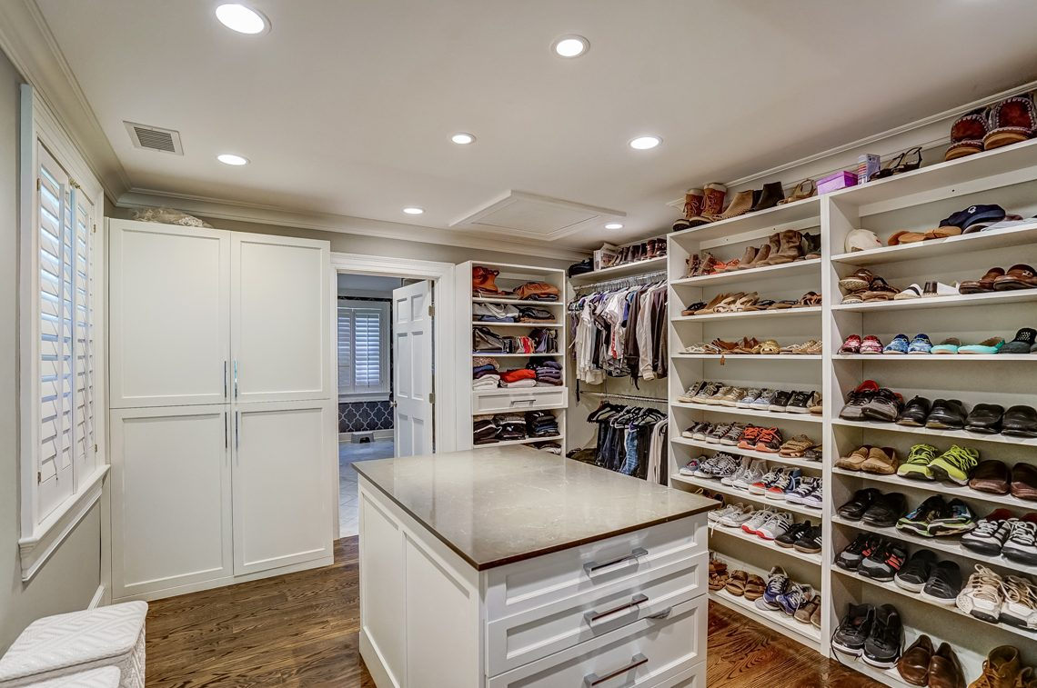 12 – 45 Joanna Way – Master Walk-in Closet