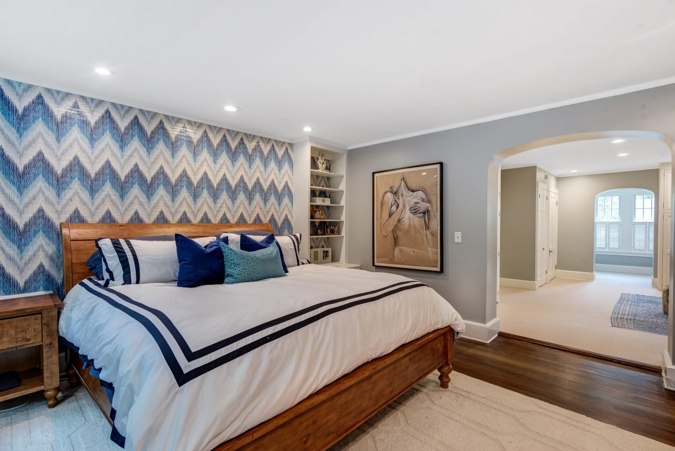 16 – 73 Knollwood Road – Beautiful Master Bedroom