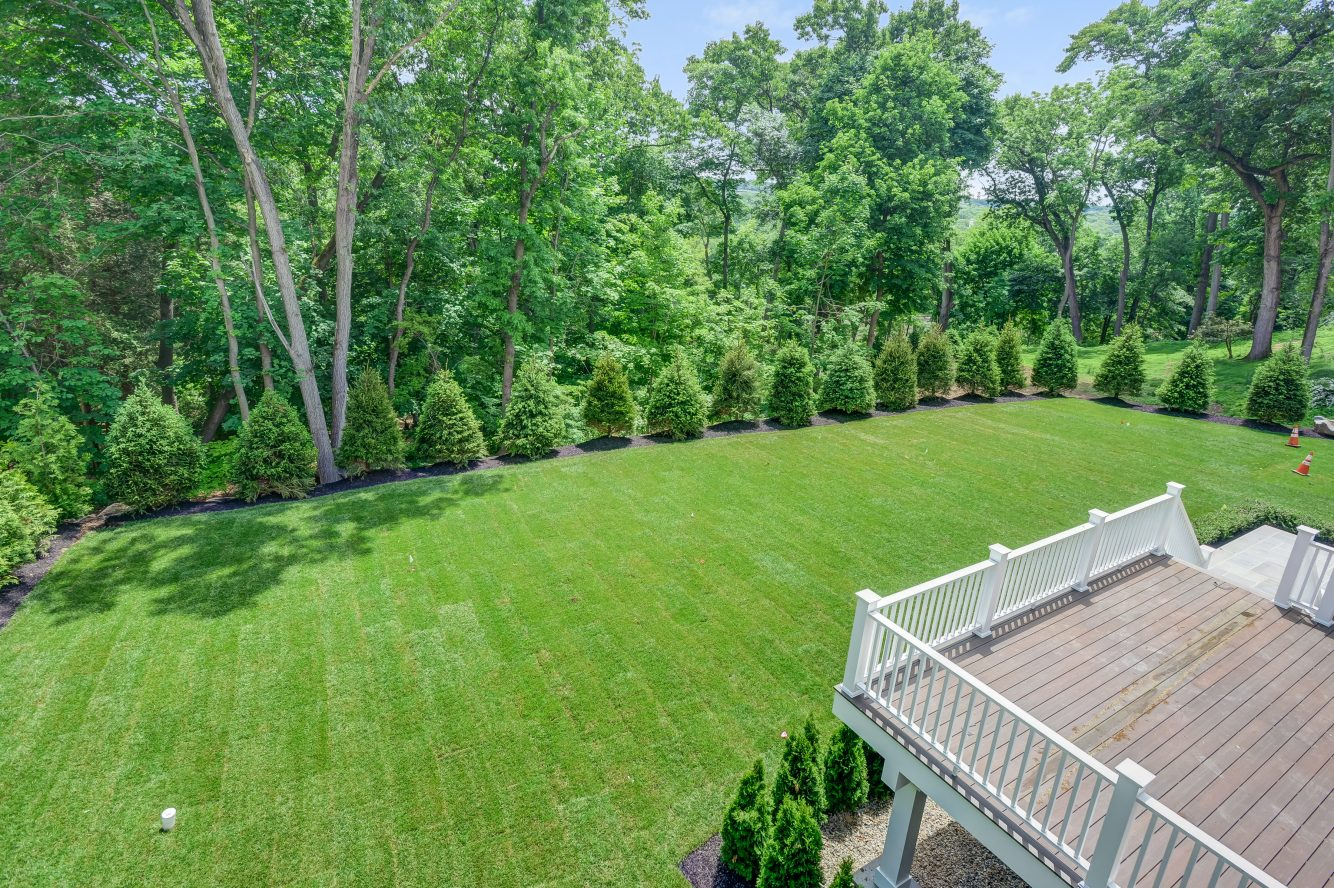 17 – 73 Edgewood Road – Master Balcony View